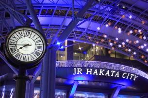 JR博多シティのイルミネーション夜景の素材 [FYI00176040]