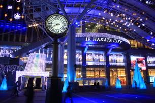 JR博多シティのイルミネーション夜景の素材 [FYI00176041]