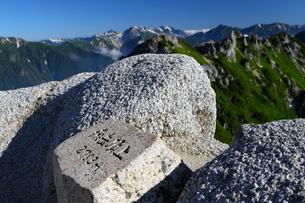 燕岳頂上の写真素材 [FYI00176421]