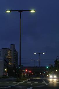夜明け道の写真素材 [FYI00176608]