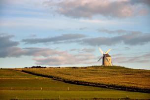 ノルマンディーの風車の写真素材 [FYI00176737]