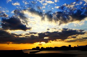 夕日Layer Part2の写真素材 [FYI00176741]
