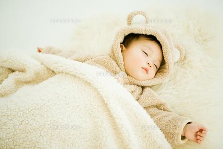 寝ている赤ちゃんの写真素材 [FYI00176832]