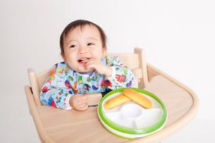 赤ちゃんの離乳食の写真素材 [FYI00176859]