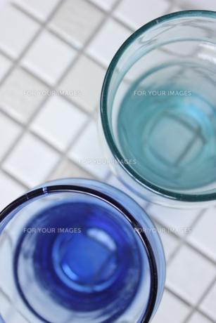 ふたつのグラスの写真素材 [FYI00177386]