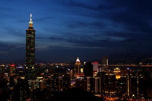 台北101夜景 台湾の写真素材 [FYI00177578]