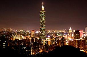 台北101 夜景 台湾の写真素材 [FYI00177581]