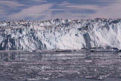 砕氷船 氷河 グリーンランドの写真素材 [FYI00177603]