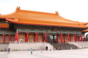 中正記念堂 国家劇場 台湾の写真素材 [FYI00177604]