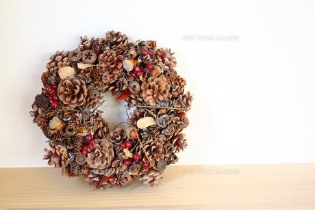 木の実リースの素材 [FYI00177630]