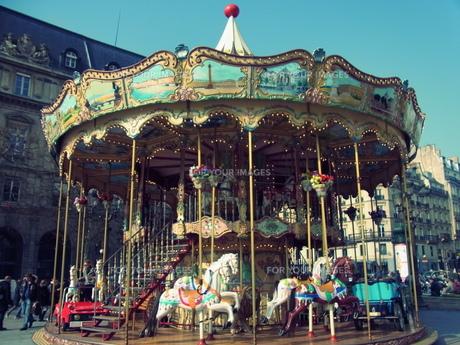 パリのメリーゴーランドの素材 [FYI00177932]