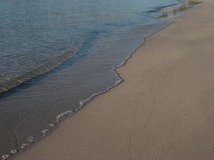 砂浜 波と波紋 西オーストラリア エスペランスの海岸にて Western Australia Esperance の素材 [FYI00178169]