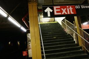 Exit 60 Streetの写真素材 [FYI00178656]