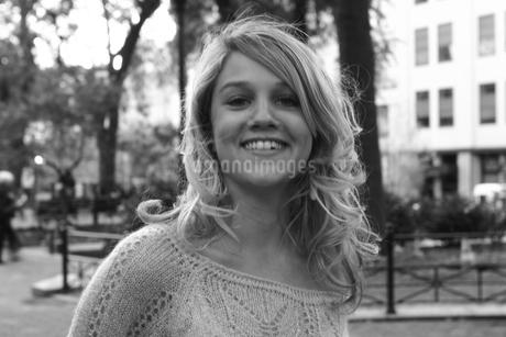 スマイルな美女の写真素材 [FYI00178732]