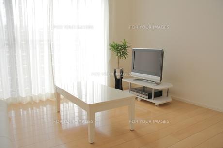 リビングルームのテレビコーナーの写真素材 [FYI00179305]