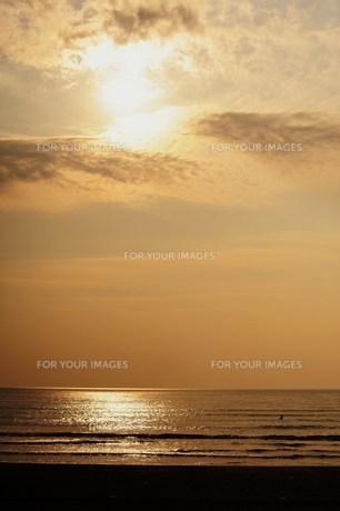 夕暮の海の写真素材 [FYI00179367]