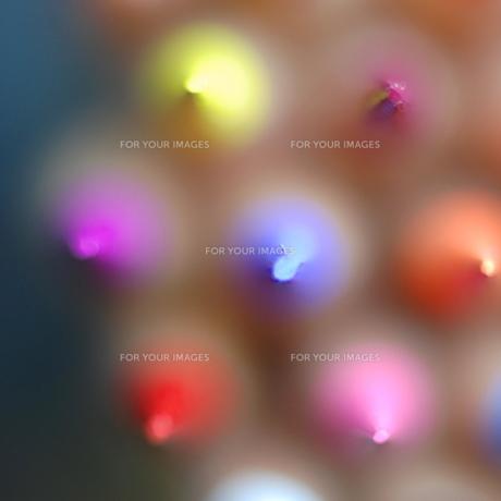 色鉛筆の先と柔らかいボケの写真素材 [FYI00179871]