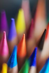 色々な色の色鉛筆アップの写真素材 [FYI00179891]
