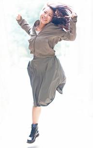 踊る少女001の写真素材 [FYI00179945]