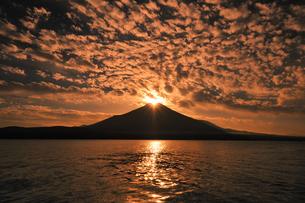ダイヤモンド富士♪の写真素材 [FYI00180271]