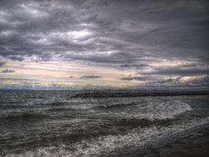 荒波と雲のHDRの写真素材 [FYI00180361]
