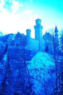 ドイツ ノイシュヴァンシュタイン城(青い世界)の写真素材 [FYI00180637]