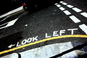 LOOK LEFTの写真素材 [FYI00180824]