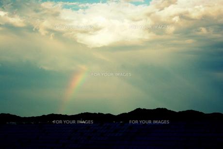 虹と雲の素材 [FYI00180863]
