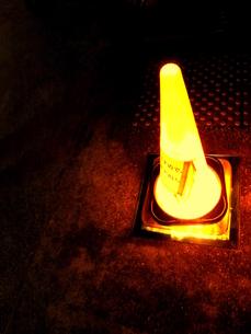 ライトの上のコーンの写真素材 [FYI00180876]