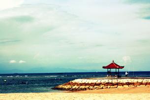 バリの海と空と小さな小屋の素材 [FYI00180898]