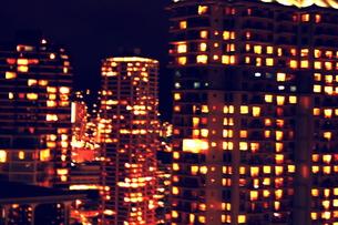 ハワイの高層ビルの夜景の素材 [FYI00180919]
