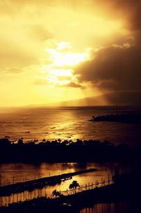 夕日色に染まるハワイの空の素材 [FYI00180925]