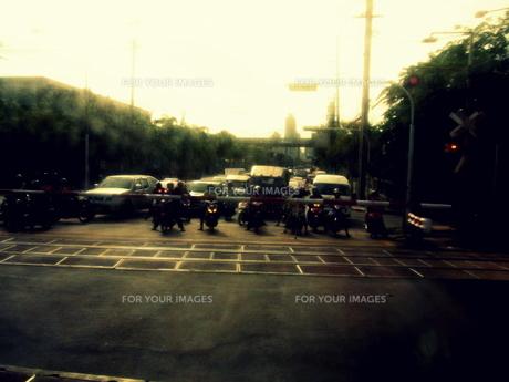 バンコク発、アユタヤ行きの車窓からの写真素材 [FYI00180933]