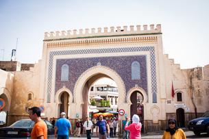 モロッコ フェズのブージュルード門の素材 [FYI00180996]