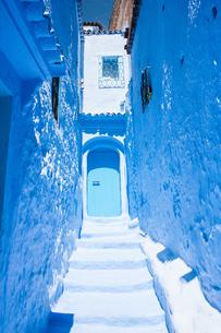 モロッコ シャウエンの青い街並みの素材 [FYI00181001]