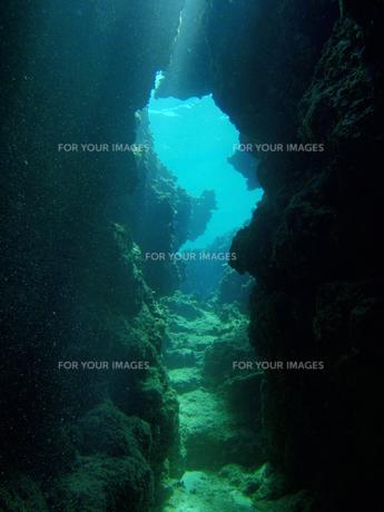 洞窟01の写真素材 [FYI00181028]