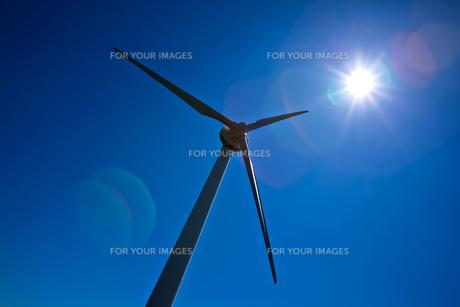 風車と太陽の素材 [FYI00181323]
