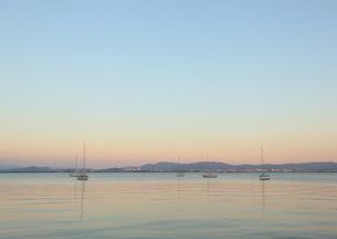 夕方の琵琶湖の写真素材 [FYI00181373]