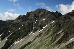 夏の奥穂高岳の写真素材 [FYI00181374]