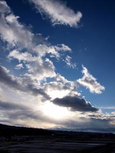 雄大な日の出の写真素材 [FYI00181924]