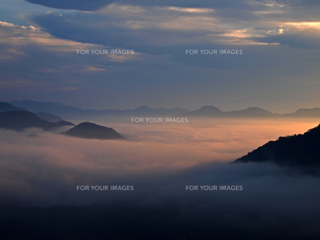 雲海の写真素材 [FYI00185934]