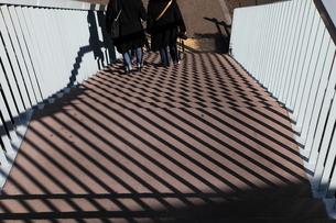 幾何学模様(歩道橋)の写真素材 [FYI00185968]