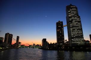 佃大橋夜景の写真素材 [FYI00185974]