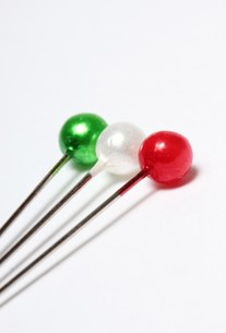 イタリアカラーのまち針の写真素材 [FYI00186001]