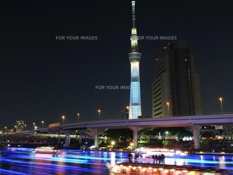 東京ホタルと東京スカイツリーの写真素材 [FYI00186245]