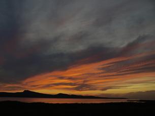 洛陽後の雲と稜線の写真素材 [FYI00186437]