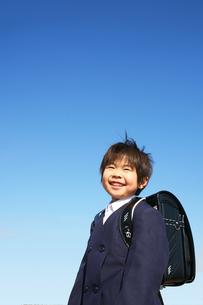 小学校に入学する男の子の写真素材 [FYI00186467]