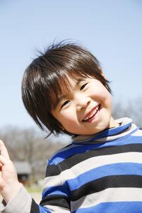 笑顔の男の子の写真素材 [FYI00186478]