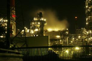四日市の工業地帯の写真素材 [FYI00186482]