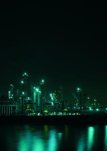 四日市の工業地帯の写真素材 [FYI00186510]